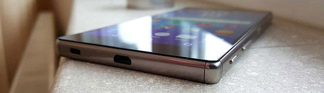 Sony-Xperia-Z5-Premium-bottom